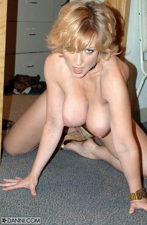 Ashe danni free nude picture